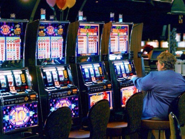 Играйте в  аппараты на деньги с казино Спин Сити и зарабатывайте!